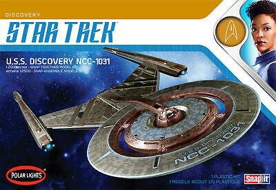 Polar Lights Star Trek USS Discovery NCC-1031 1:2500 scale SNAP model kit 961