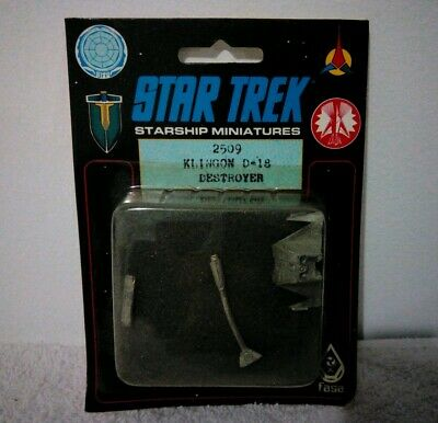 Star Trek Miniatures Tin/Lead Alloy Klingon D-18